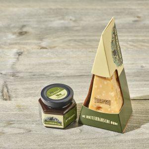 Kaaspakket bestellen? Pakket Het Kasteel van De Rotterdamsche Oude met 100 weken oude kaas en stroop